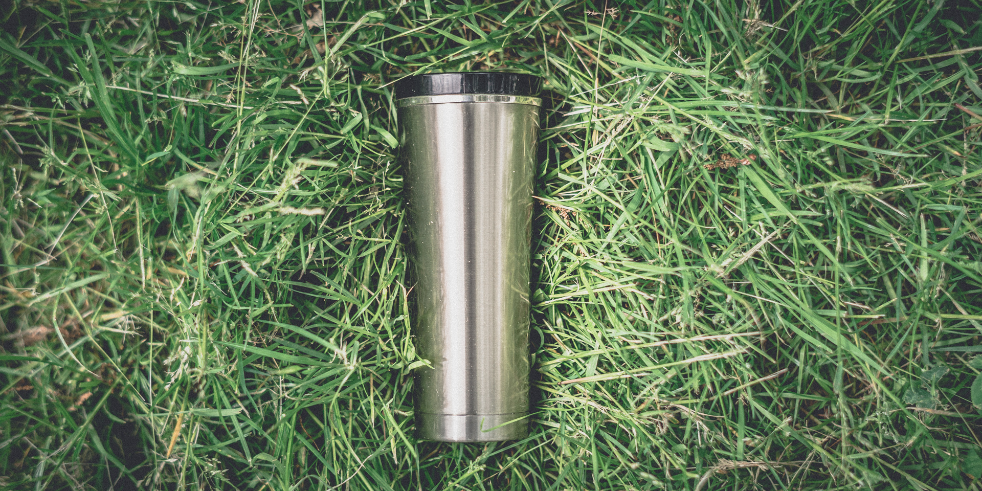 Thermos Discovery on Grass