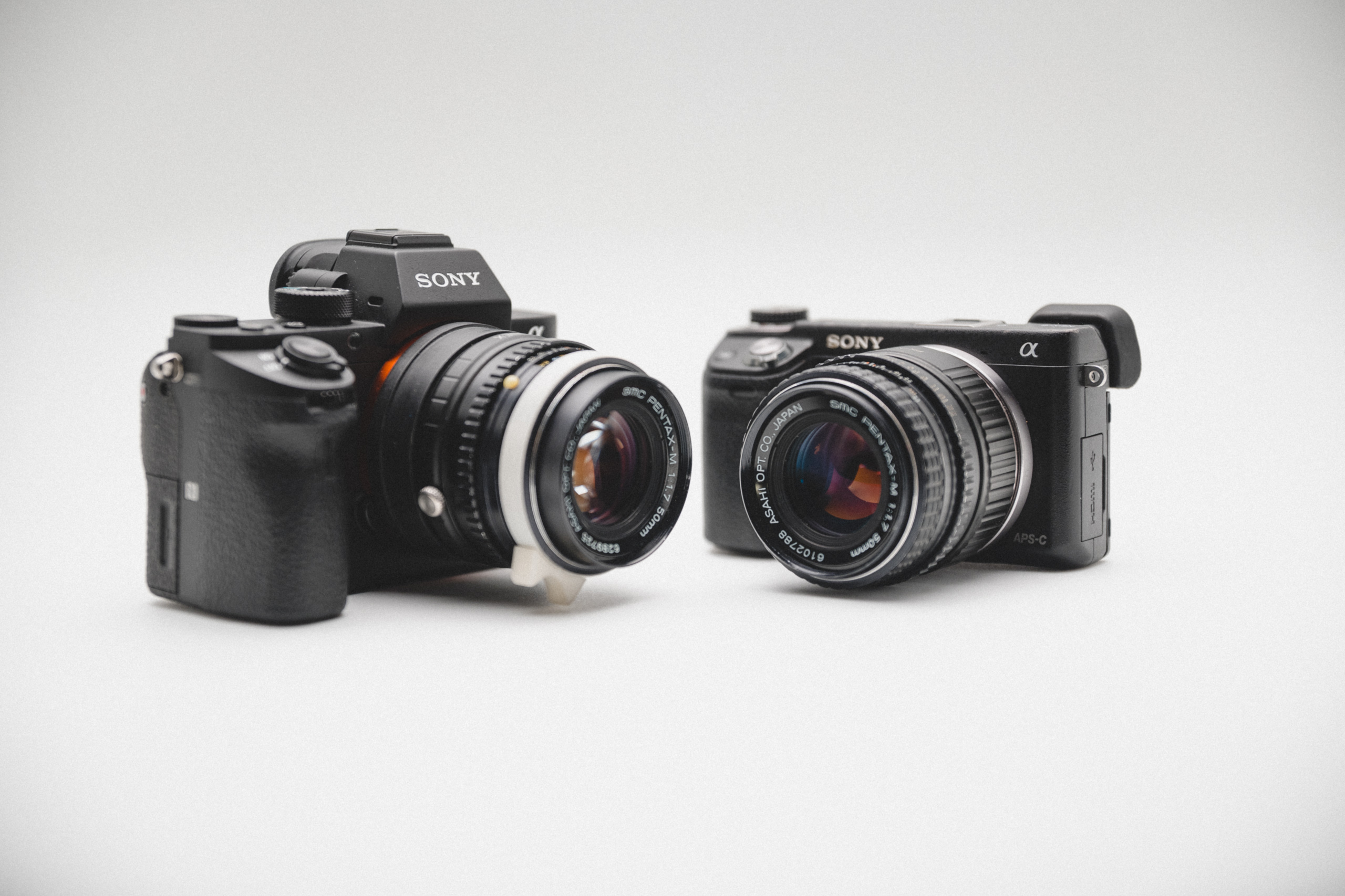 SONY NEX6 vs SONY A7R2 size comparison